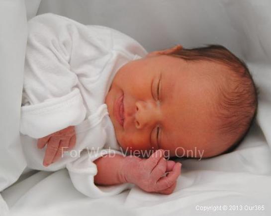 Gus Newborn 3